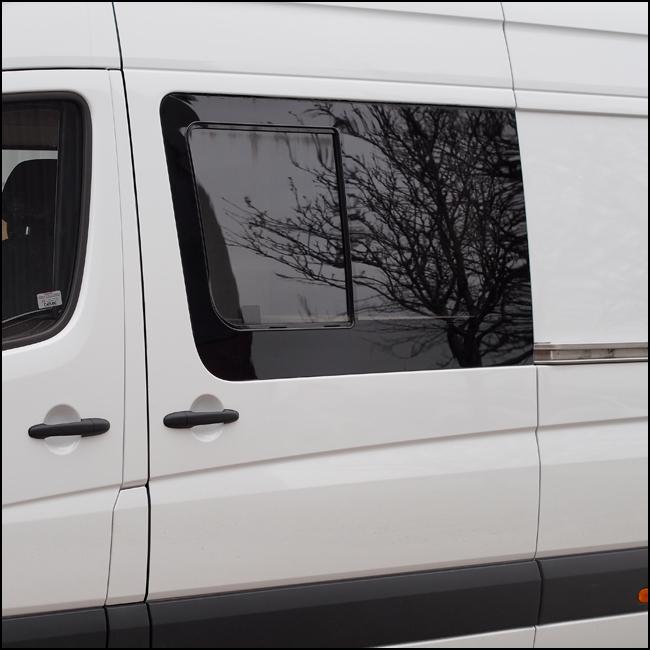 Side Window Sliding Glass for Mercedes Sprinter SWB-6375