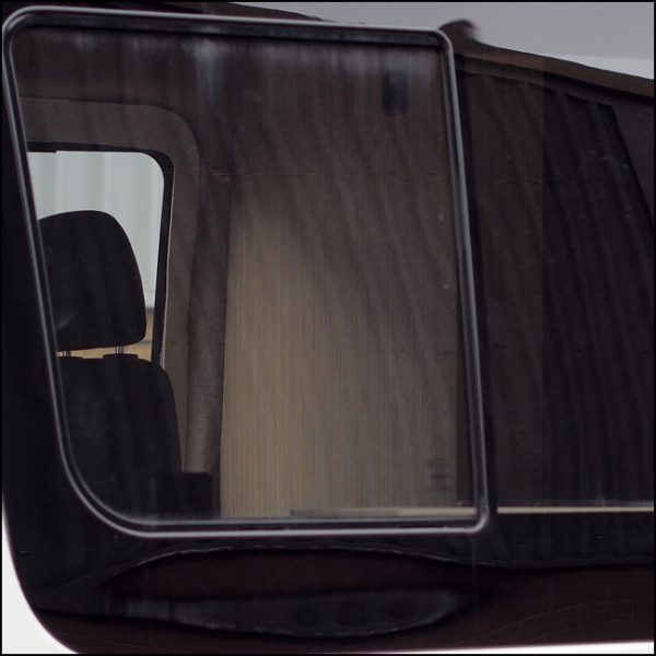 Side Window Sliding Glass for Mercedes Sprinter SWB-6371