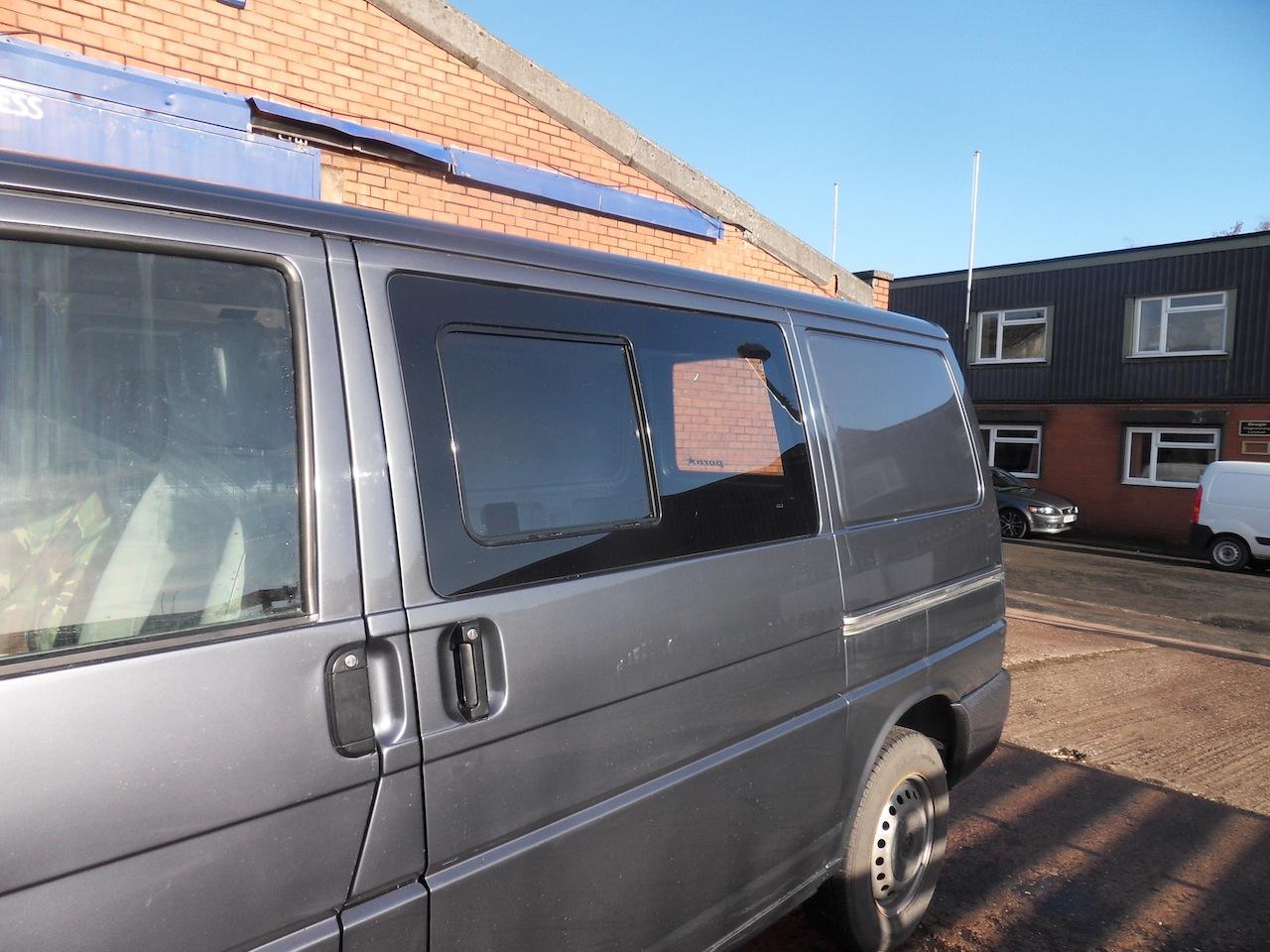 Van X Side Window Sliding Glass For Vw T4 Transporter Smoked Fuse Box Sale 1542