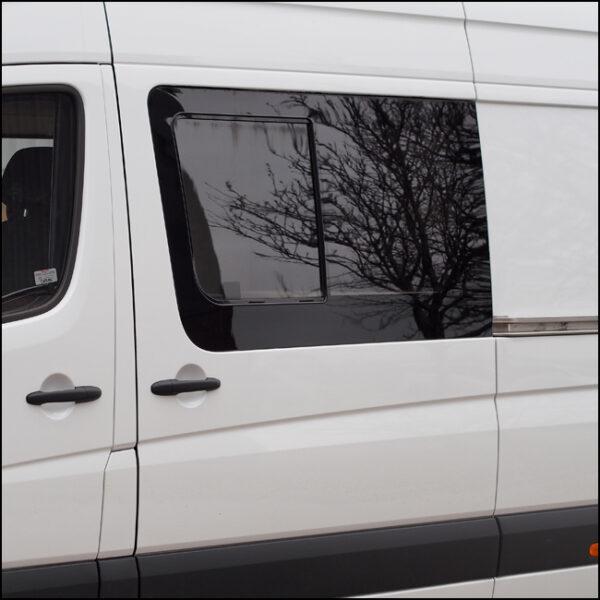 Side Sliding Window for Volkswagen Crafter - LWB - MWB-6379