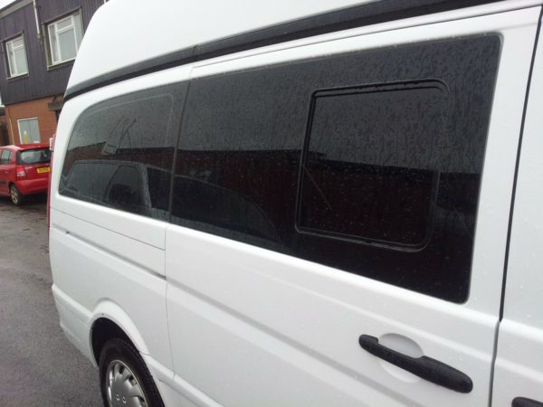 Smoked Side Window Sliding Glass for Mercedes Vito-2628