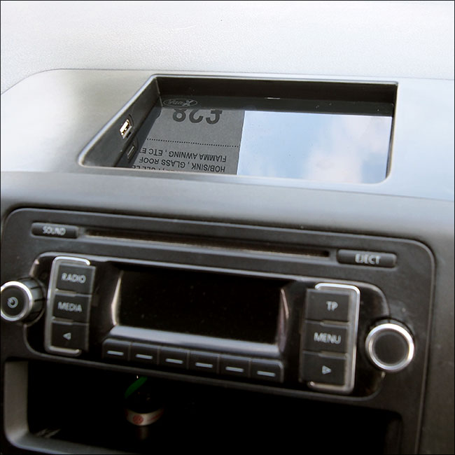 USB Dash Tray for T5.1 Transporter-0