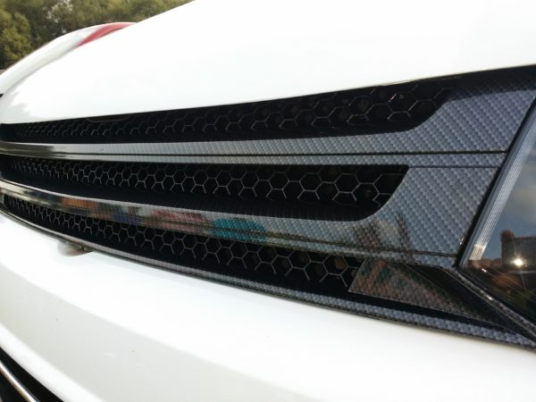 DARK CARBON Badgeless Grille for Volkswagen T5.1 *CLEARANCE* [B Grade] -7203