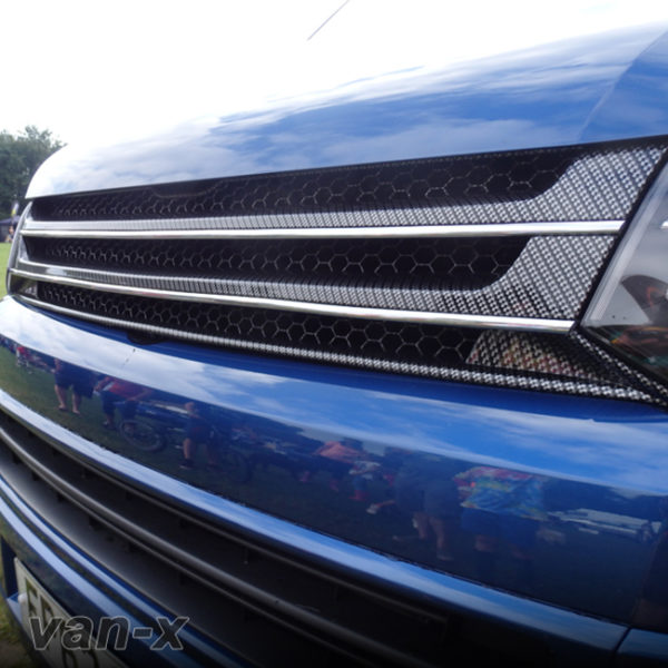SILVER CARBON Badgeless Grille for Volkswagen T5.1 *CLEARANCE* [B Grade] -20069