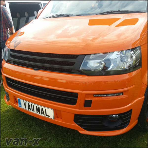 MATTE BLACK Badgeless Grille for Volkswagen T5.1 *CLEARANCE* [B Grade] -7945