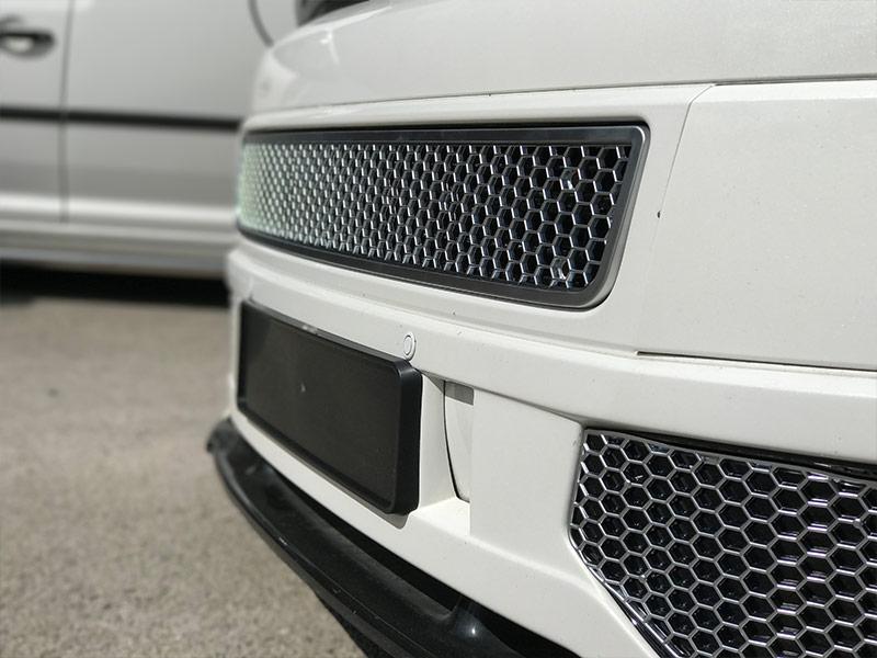 HONEYCOMB SPORTLINE FRONT SPOILER FOG LIGHT TRIM + BUMPER MESH FOR VW T5.1 (MATTE CHROME)-8939
